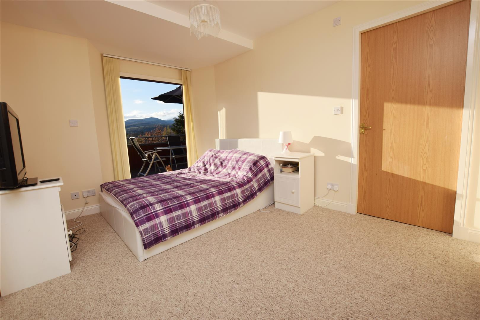 Flat 6, St Ninians Court, Heathcote Road, CRIEFF, PH7 4AS, UK